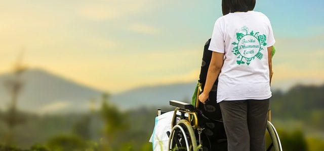 Comment gérer la réaction des proches dans une annonce de handicap ?